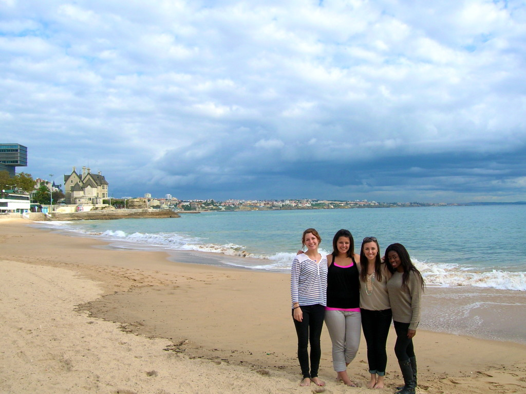 Cascais beach with friends