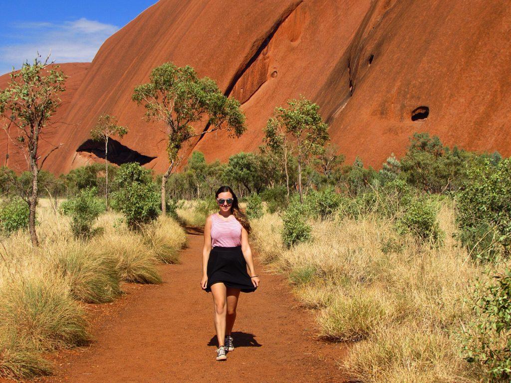 uluru australia hike